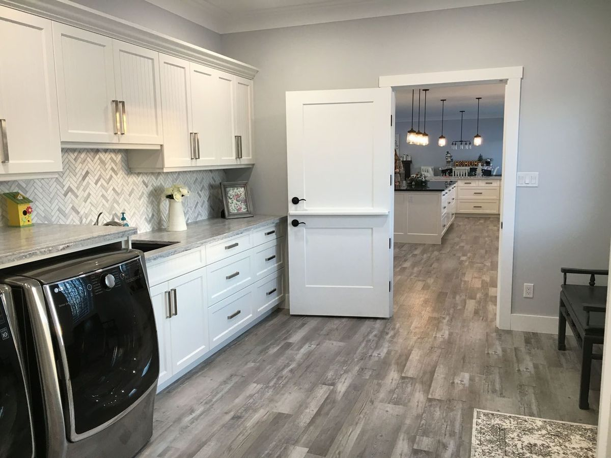 interiordesign-family-indoors-refrigerator