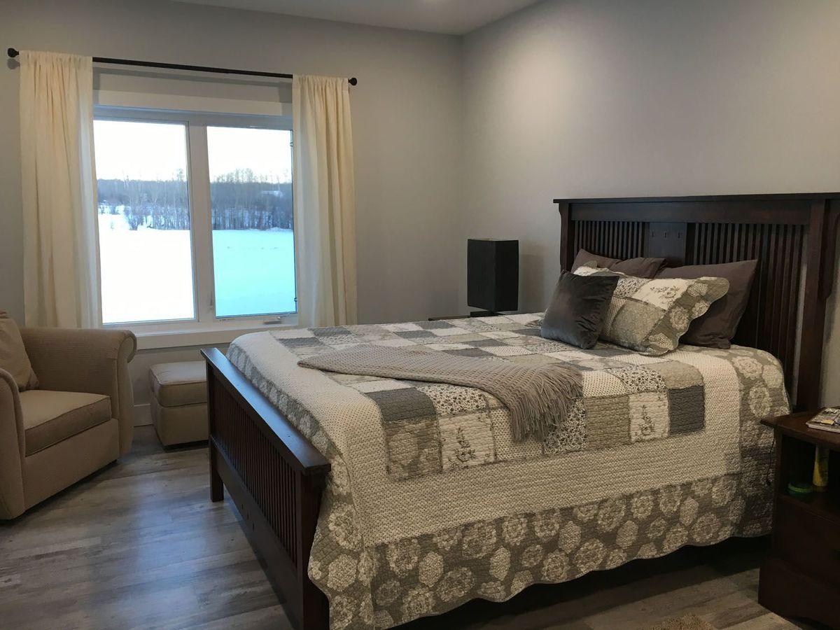 bedroom-bed-furniture-room
