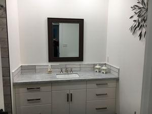 interiordesign-family-indoors-mirror