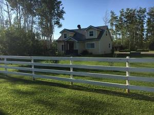 fence-house-grass-family