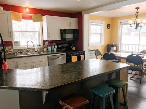 furniture-table-room-indoors
